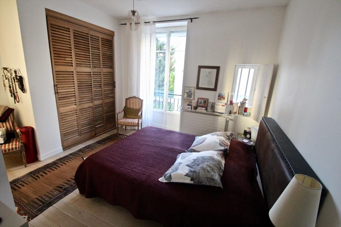 vente bas victor hugo appartement type 7 en duplex. Black Bedroom Furniture Sets. Home Design Ideas